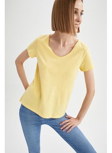 DeFacto V Yaka Basic Relax Fit Kısa Kollu Tişört Sarı